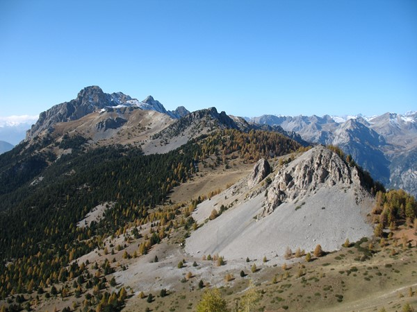 independent walking holiday alpine trekking France Queyras